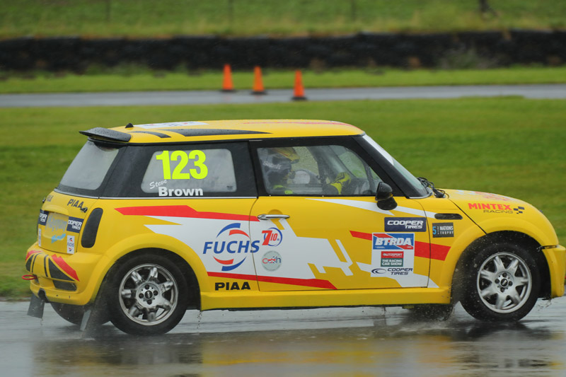 racing_news_steve-brown-scooped-a-double-podium-at-pembrey_2